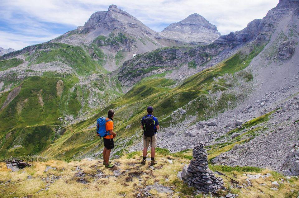 Face-à-face avec le Pic d'Anie, en arrivant au Pas d'Azuns au 4ème jour de marche.