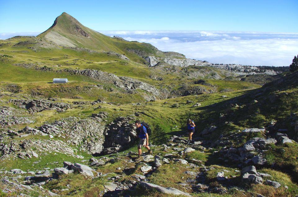 Au-dessus de la Pierre-Saint-Martin, en direction des Ares d'Anie. Dernier jour de trek.
